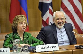 EU Außenkommissarin Ashton (links) CC-Foto des Österreichischen Außenministeriums. https://creativecommons.org/licenses/by/2.0/