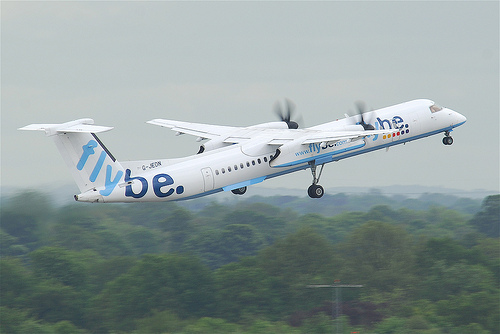 FlyBe. Dash 8. CC-Foto von Aero Icarus. http://creativecommons.org/licenses/by-sa/3.0/de/
